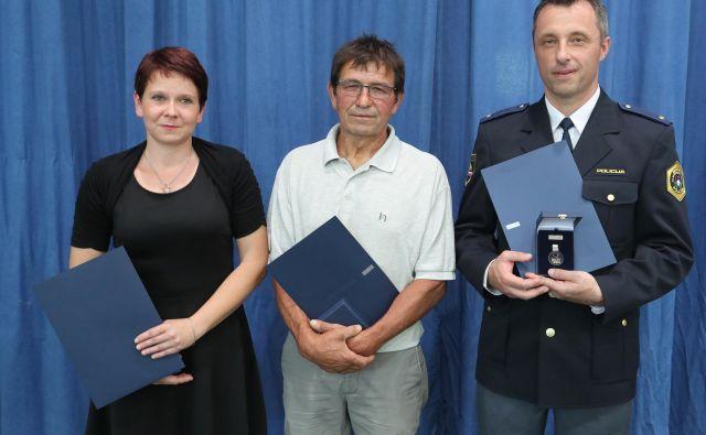 Sedem posameznikov si je medaljo prislužilo z lovom za storilci kaznivih dejanj. FOTO: Dejan Javornik