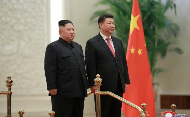 Če je kdo sposoben ohraniti severnokorejski režim pri življenju in njenemu vodstvu pomagati, da ga reformira, je to Kitajska. FOTO: Reuters