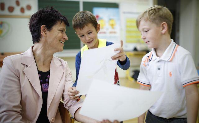 Učitelji ocenjujejo, da so učinkoviti predvsem v vzdrževanju delovnega vzdušja v razredu in vodenju učencev, manj pa pri spodbujanju učencev k pridobivanju znanja. FOTO: Uroš Hočevar/Delo