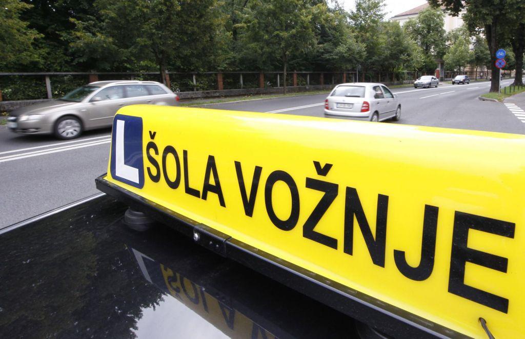 FOTO:Za vozniški izpit je treba odšteti najmanj 900 evrov