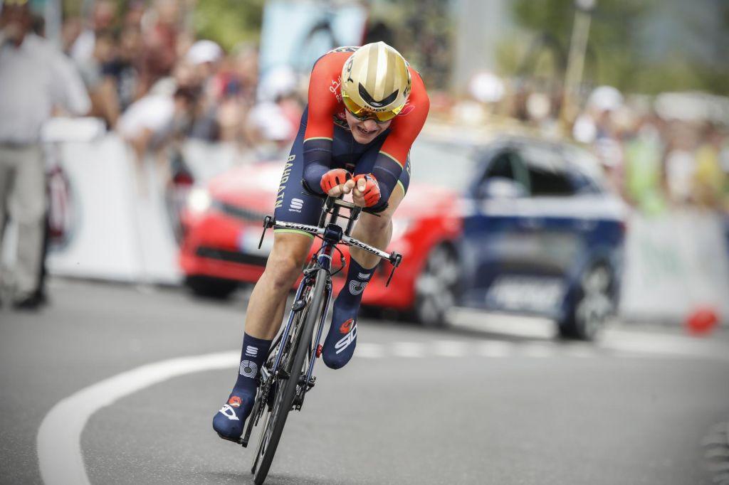 FOTO:Kolesarka dirka poleg zvenečih športnih imen prinaša tudi številne zapore cest