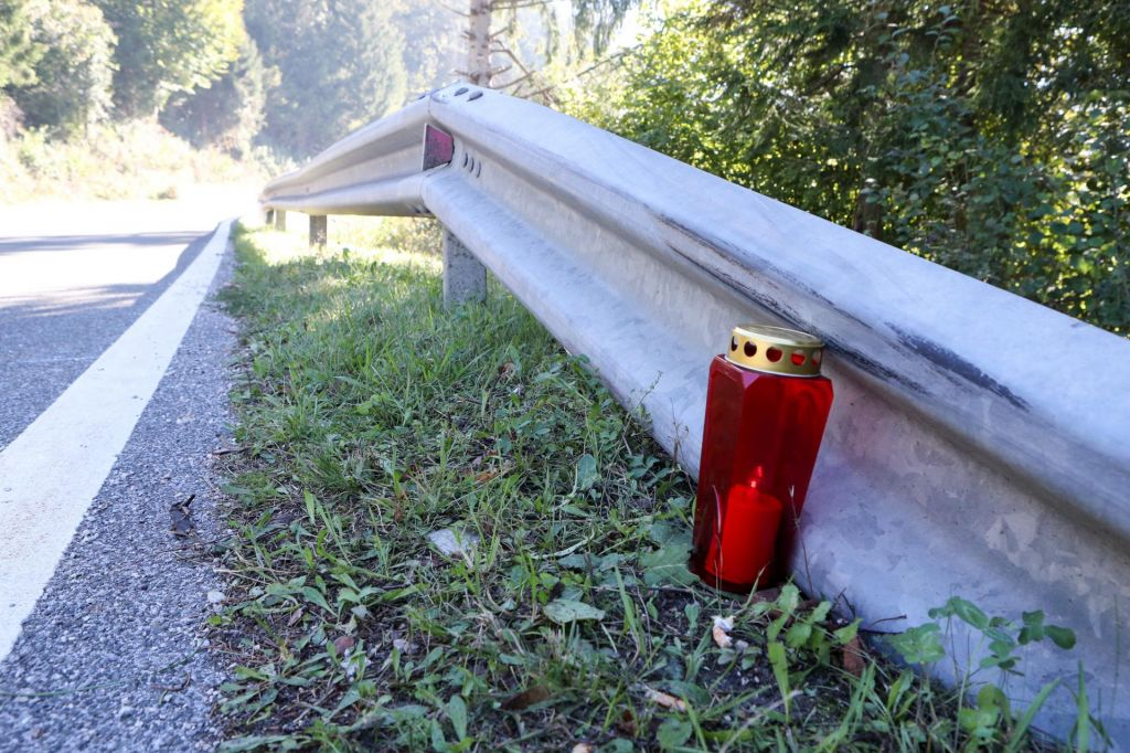 Na Bovškem umrla motorist in sopotnica