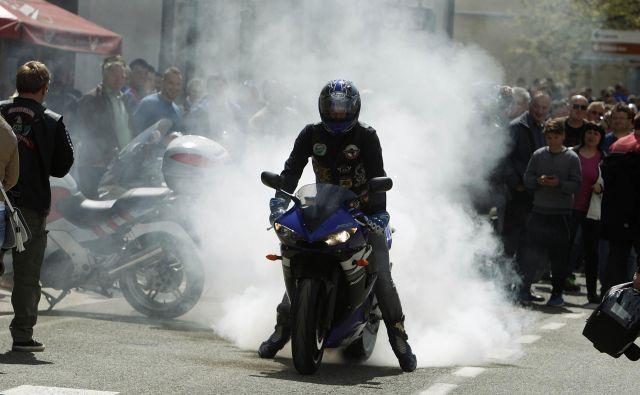 Velikokrat so motoriste pred smrtjo rešile le»srečne okoliščine«. FOTO: Leon Vidic/Delo
