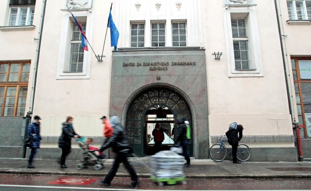 Zavod je vlado pozval, naj mu dovoli porabiti dodatnih 53 milijonov evrov. FOTO: Matej Družnik/Delo