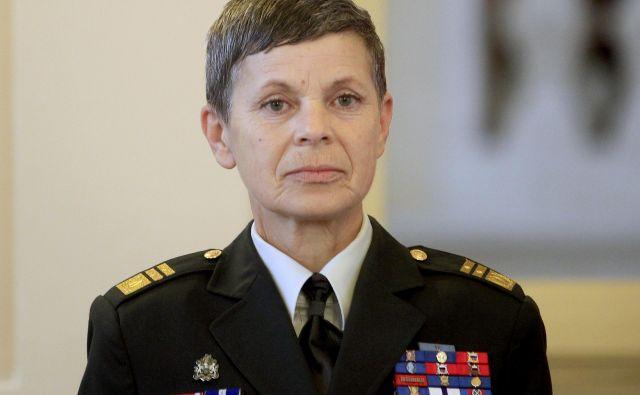 Načelnica generalštaba je bila po pogovoru redkobesedna. FOTO: Roman Šipić/Delo