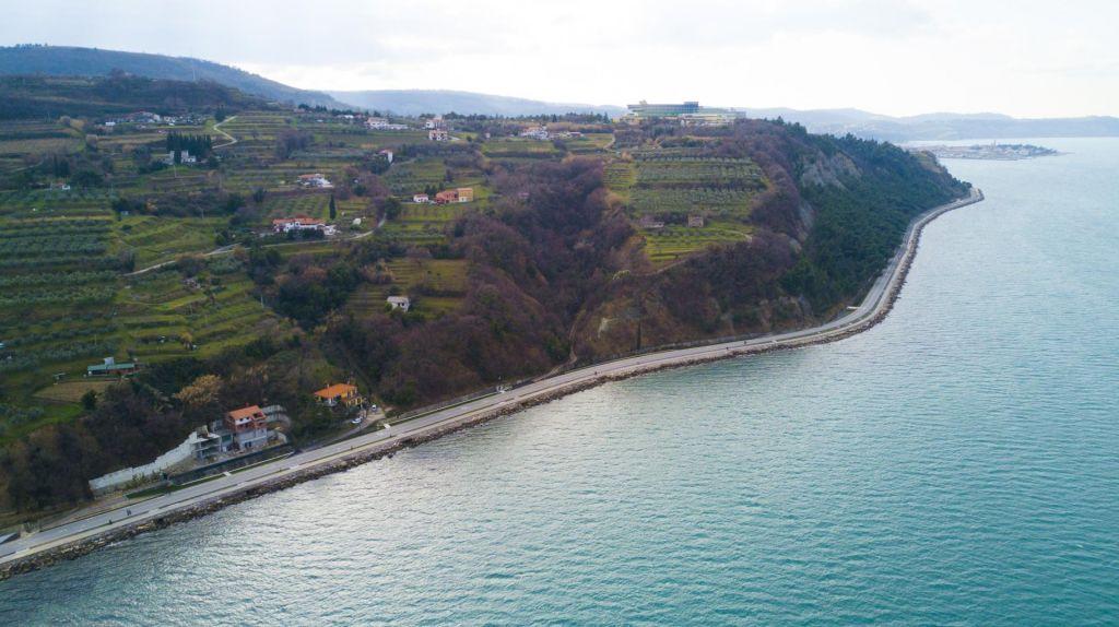 Kako bi obalno cesto uredili župani?