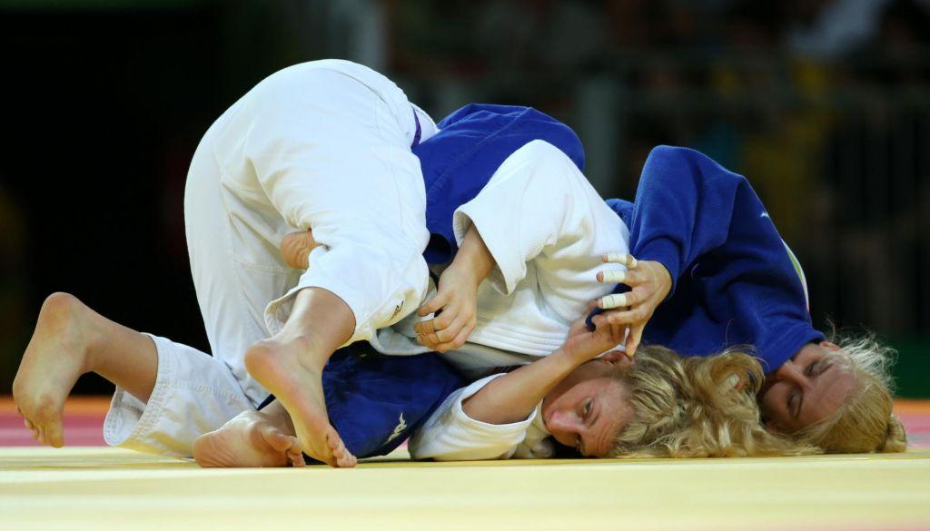 Ana verjame, da bi Kayla premagala tudi Habiba, prvaka združenja UFC