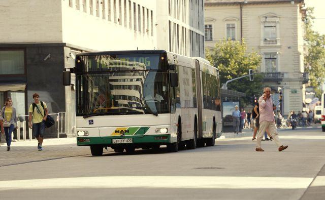 Uporabniki se z mestnim prevozom vse redkeje vozijo. Foto Uroš Hočevar