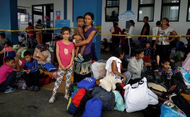 Ob svetovnem dnevu beguncev, 20. juniju, je visoki komisar za begunce Svetovne organizacije (UNHCR) objavil žalostni rekord: približno 71 milijonov ljudi po vsem svetu je bilo prisiljenih pobegniti s svojih domov. FOTO: Reuters