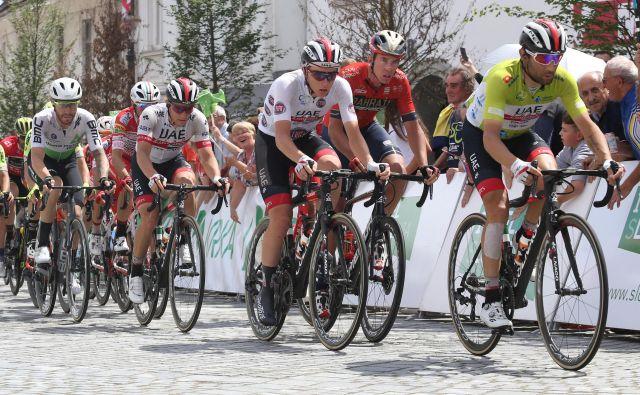 Diego Uliissi (v ospredju, za njim Tadej Pogačar) je drugič zmagal na dirki po Sloveniji, prvič je bil najboljši leta 2011. Foto Tomi Lombar