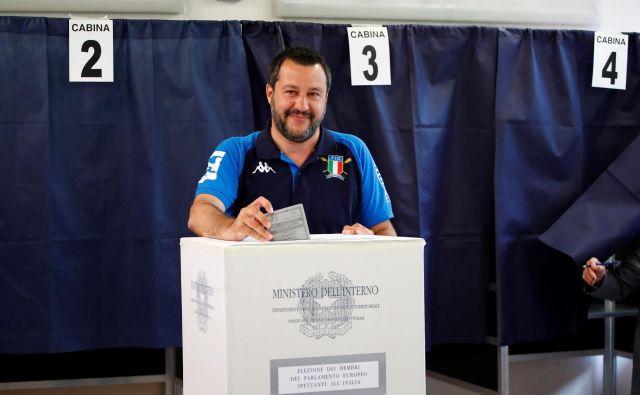 Ideja Mattea Salvinija o »Ligi vseh Lig«, tretji najmočnejši politični družini v parlamentu, se je izjalovila.