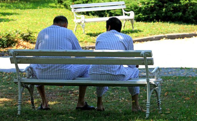 Bolnik je upravičen do povračila stroškov ne glede na to, kdo ga zdravi. FOTO: Blaž Samec/Delo