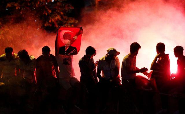 21. stoletje v Turčiji čaka oster boj z 19. stoletjem, kar je ironično samo po sebi, saj gre za preživetje – republike. FOTO: Reuters