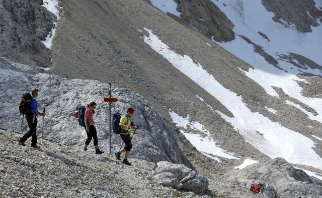 Poleti dobra tretjina turistov obišče gorske občine, ki prednjačijo tako po obisku kot po prenočitvah. Foto Matej Družnik