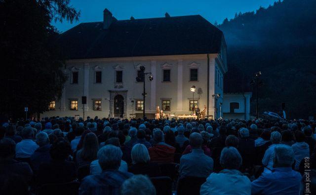 Gostovanje SNG Drame je privabilo več kot 800 gledalcev. FOTO: Jana Jocif