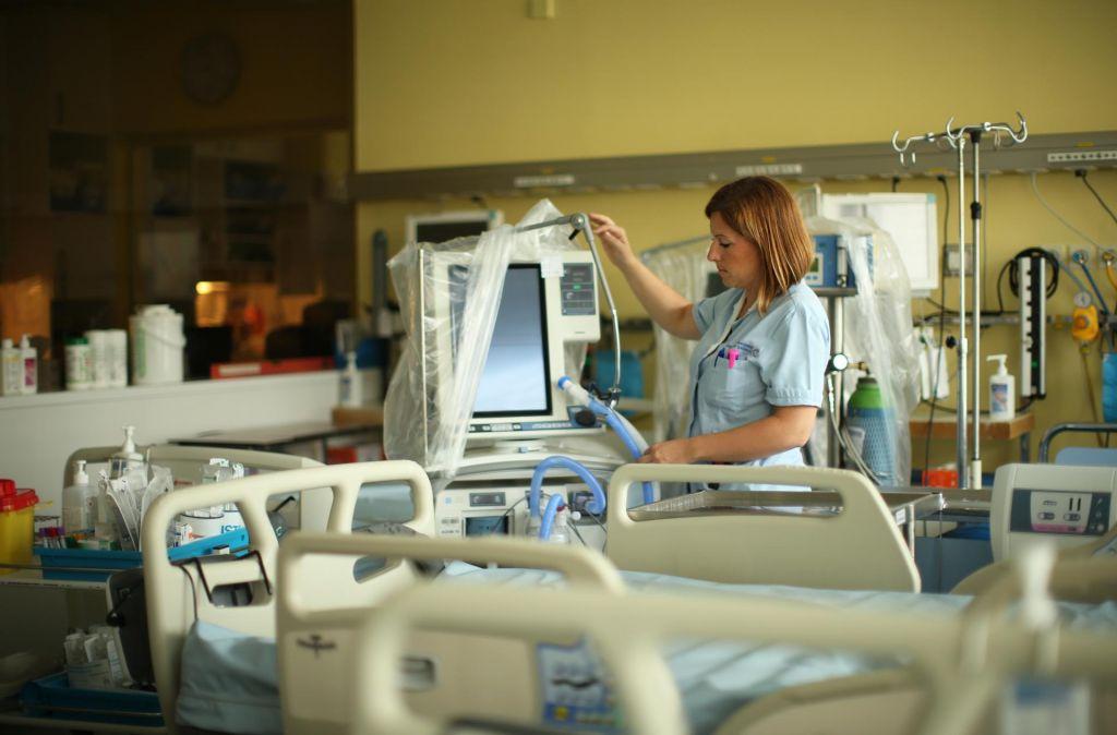 FOTO:Medicinske sestre, ki jih imamo, je treba zadržati