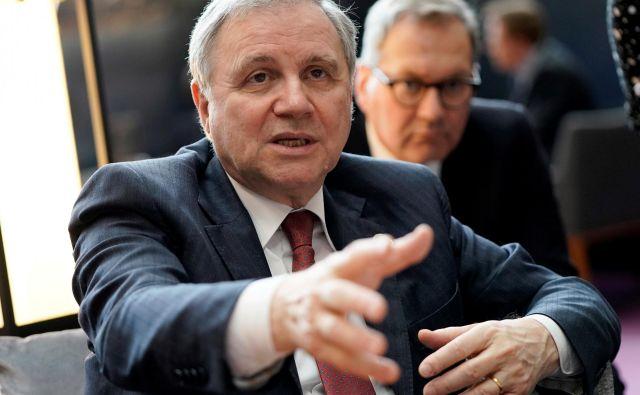 V naelektrenem ozračju med Rimom in Brusljem guverner Visco v javnih nastopih sporoča, da Italija mora spoštovati določene fiskalne cilje. Foto Reuters