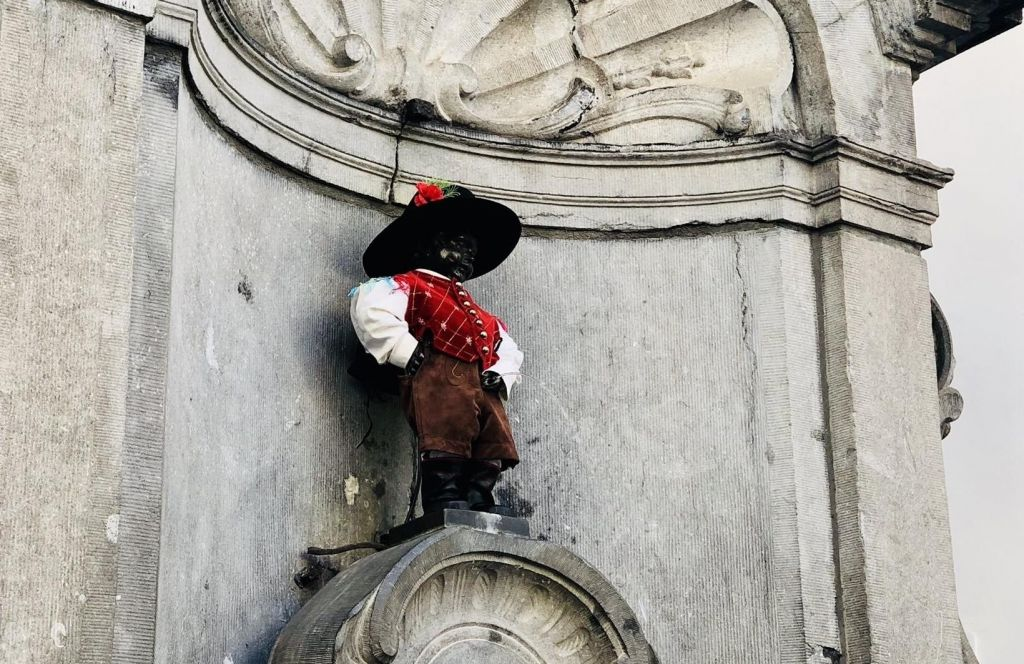 Bruseljski kipec znova v slovenski obleki