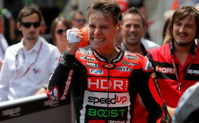 Francoski motorist Fabio Quartararo je v Barceloni dokazal, da se lahko že bolj ali manj enakovredno kosa z največjimi asi v motoGP. FOTO: Reuters