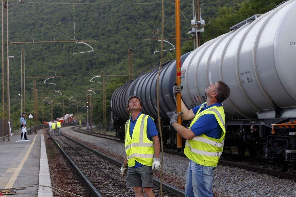 FOTO:Slovenske železnice: Vzpostavitev prometa predvodoma v petek