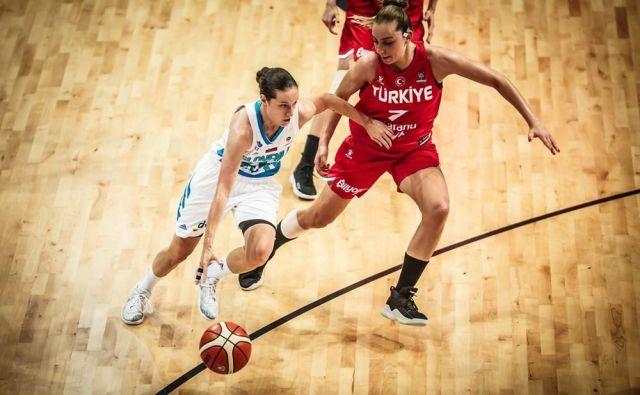 Nika Barič ni bila pri metu (3:11), a je zbrala 12 asistenc. FOTO: FIBA