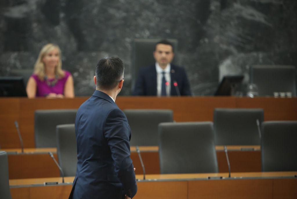 FOTO:Za LMŠ Toninova ponudba pokroviteljska, odnosi z Levico pa naj bi bili dobri