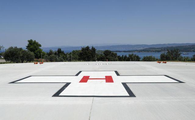 Nov heliport pred Splošno bolnišnico Izola je vreden 490.000 evrov. Foto Uroš Hočevar
