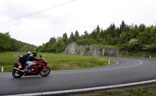 Vožnja motorja zahteva poleg poznavanja motorja in upoštevanja pravil še zelo dobro psihofizično pripravljenost. Foto Mavric Pivk