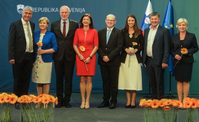 Osmerica slovenskih evropskih poslancev bo jutri prvič sedla v poslanske klopi. V dobro plačane službe bodo peljali tudi svoje asistente, nekateri so jih že izbrali, drugi ne. FOTO: Voranc Vogel