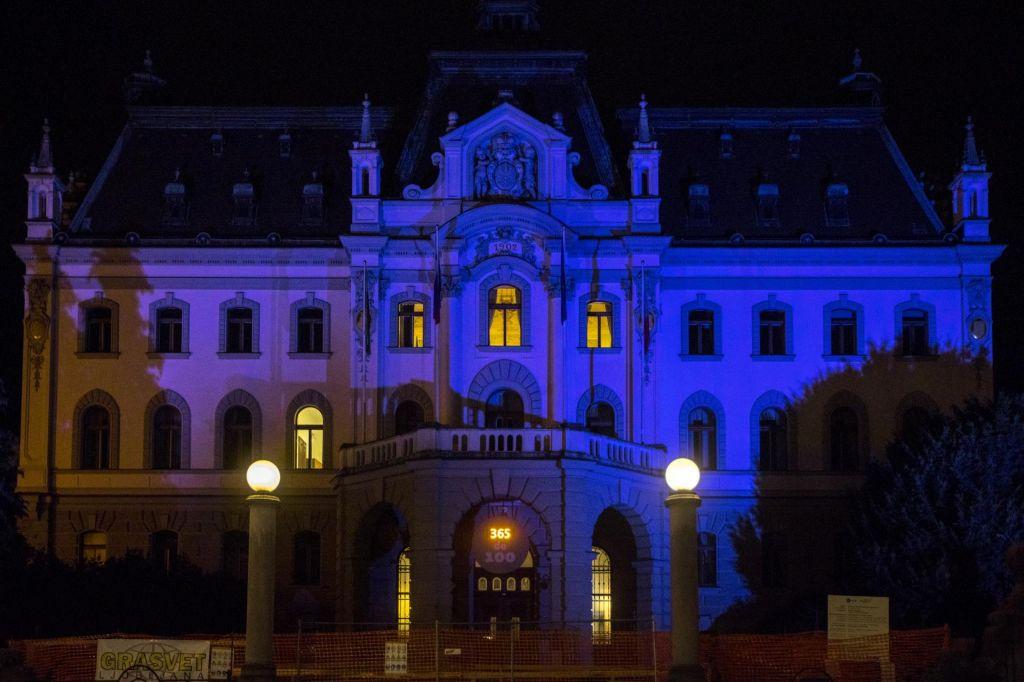 FOTO:Bo na univerzah angleščina z zakonodajnim trikom prevladala nad slovenščino?