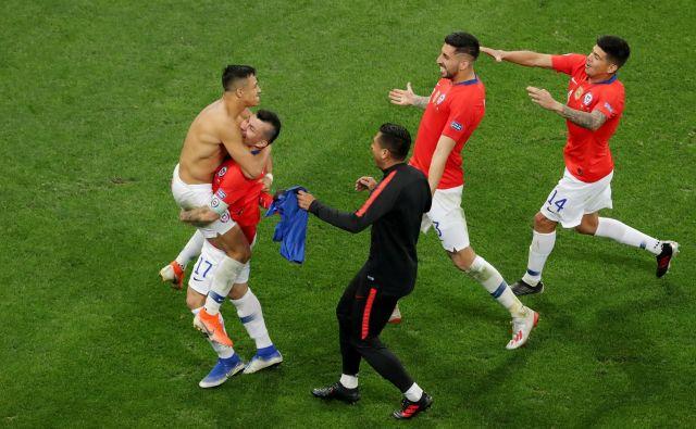 Čile bo polfinalnega tekmeca dobil po sobotnem obračunu med Urugvajem in Perujem v Salvadorju. FOTO: Reuters