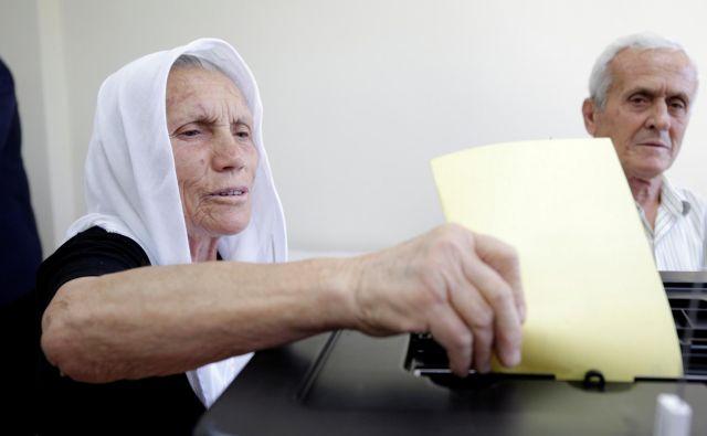 Lokalnih volitev v Albaniji se je udeležila le dobra petina upravičencev. FOTO: Florion Goga/Reuters