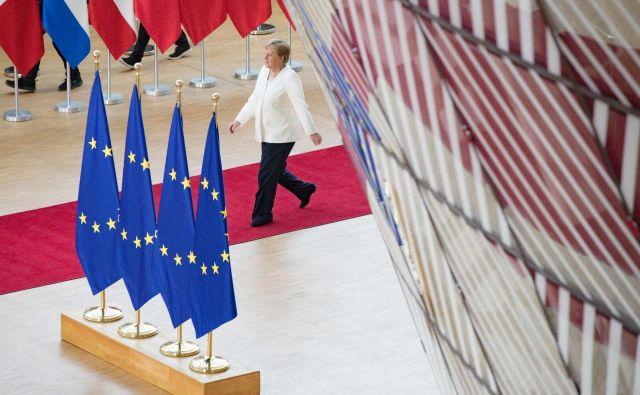 Merklova je pojasnila, da za nobeno niso imeli zadostne večine, tudi za Timmermansa ne.Foto: Afp