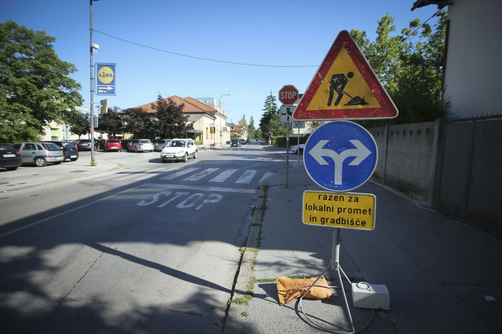 FOTO:Začelo se je: del Parmove zaprli za promet