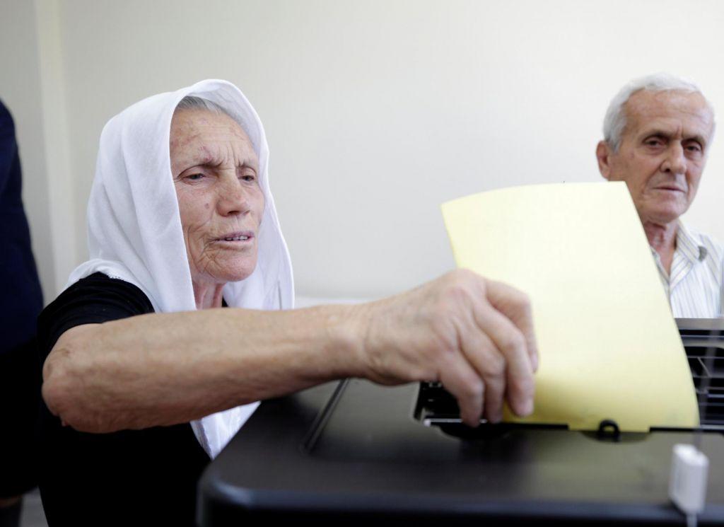 »Albanija je ujeta vavtokracijo starih sil«