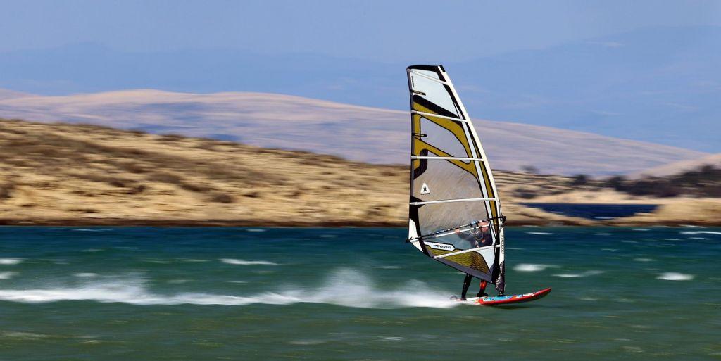 Z morjem in vetrom kot eno
