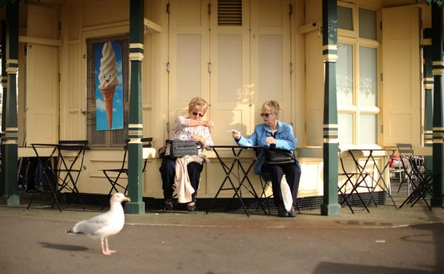 Upokojitvena starost se predvidoma ne bo zvišala. Foto: Jure Eržen/delo