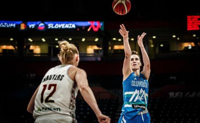 Eva Lisec je zaradi poškodbe odigrala le dve tekmi na EP. FOTO: FIBA