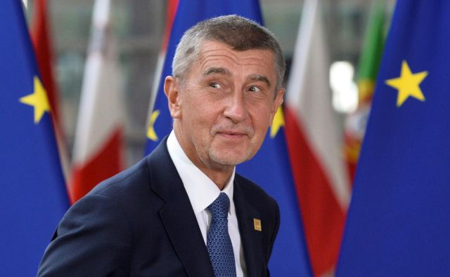 Korupcije osumljeni premier Andrej Babiš je prejšnji teden preživel že drugo glasovanje o nezaupnici v enem letu. FOTO: Reuters