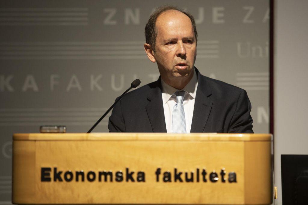 Ekonomska politika Slovenije v okvirih članstva EU in EMU