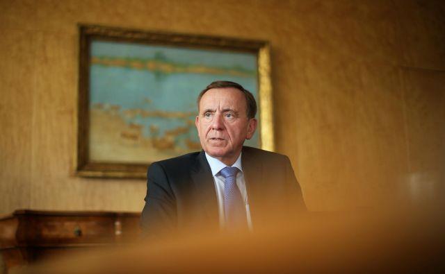 Jože Colarič, predsednik uprave Krke, poudarja, da bodo ob nadaljevanju trenutnih razmer na trgih prihodki, še posebej pa dobiček višji od načrtov. Foto Jure Eržen