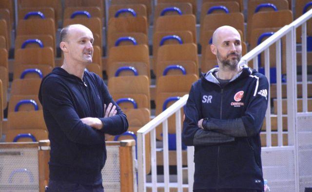 Slaven Rimac (desno) je bil v sezoni 2017/18 pomočnik Jureta Zdovca pri Cedeviti in v minulem prvenstvu prvi trener Zagrebčanov, zdaj bo strateg Cedevite Olimpije. FOTO: ABA