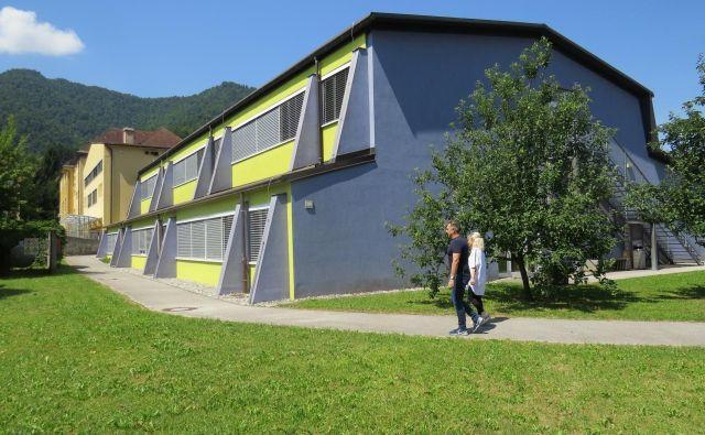 Ker je otrok vsako šolsko leto več, je osnovna šola postala pretesna. FOTO: Bojan Rajšek/Delo