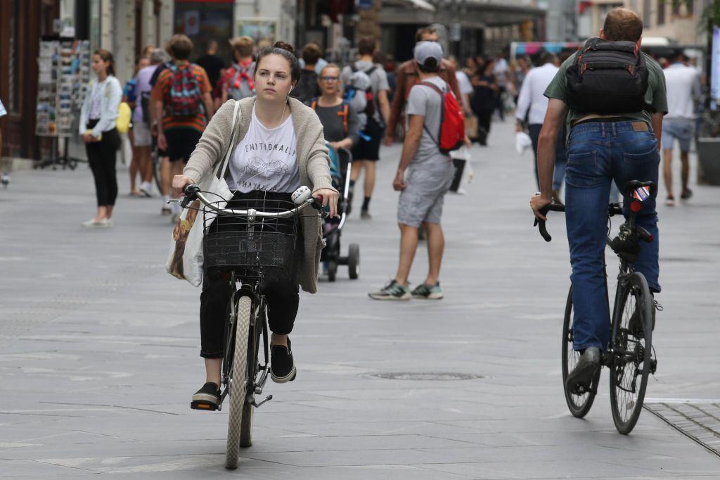 Mesto brez kolesarnic