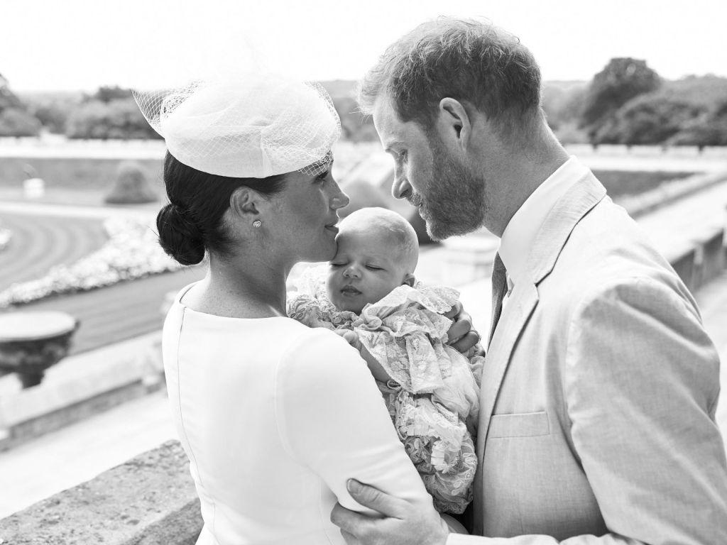 Na gradu Windsor krstili prvorojenca Meghan in Harryja