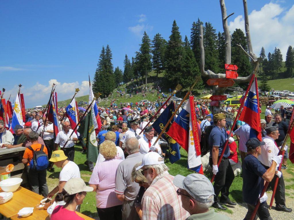 FOTO:Šarec: Naša vlada ni proameriška ali proruska, je proslovenska in proevropska