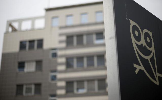 Pooblaščena skupina komisije DZ za nadzor obveščevalnih in varnostnih služb (Knovs) je danes dopoldne odšla na Slovensko obveščevalno-varnostno agencijo (Sova). FOTO: Blaž� Samec