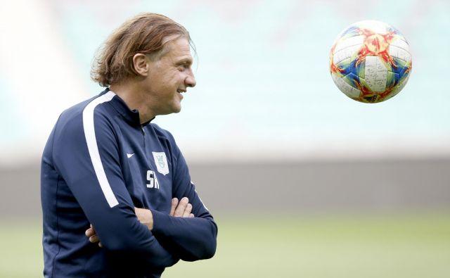 Safet Hadžić je bil dobre volje na sinočnjem treningu. FOTO: Roman Šipić