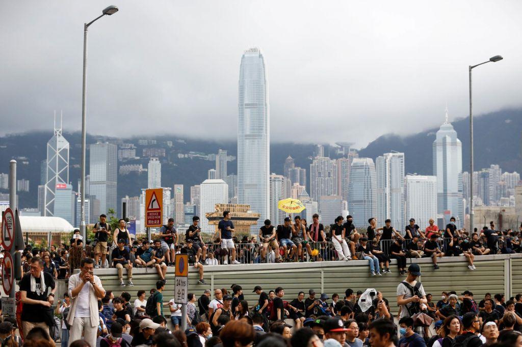 Ali Kitajska še potrebuje Hongkong?