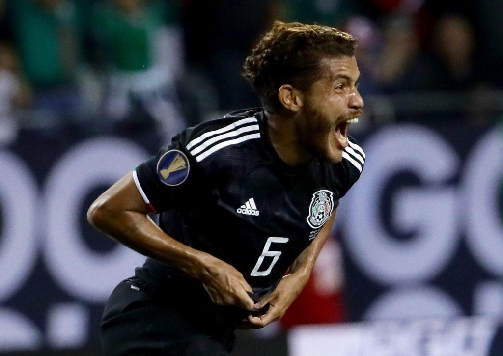 Dos Santos zadel za veliko zmagoslavje Mehičanov